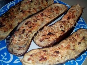 Баклажаны фаршированные колбасой и плавленым сыром
