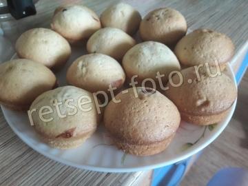 Бисквитные кексы с вишней