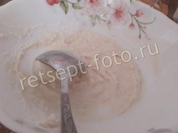 Бисквитный торт с ореховым коржом, заварным кремом и вареньем