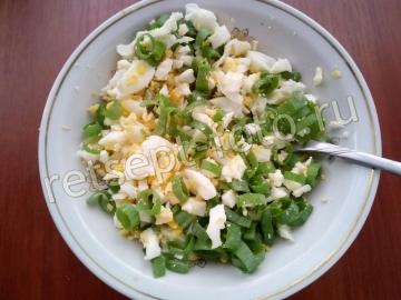 Чебуреки с яйцом и зеленым луком
