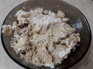 Диетические сырники с овсяной мукой с яблоками в духовке