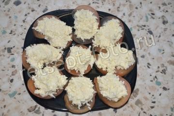 Еврейская закуска на помидорах