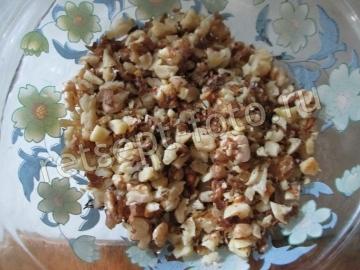 Горячие бутерброды с яйцом, сыром и орехами