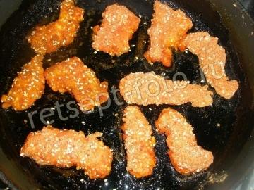 Хрустящие куриные палочки с кунжутом