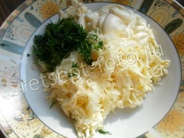 Канапе с колбасой и плавленым сыром