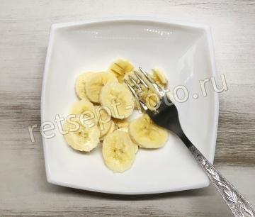 Каша из толокна с молоком и бананом для детей до 1 года