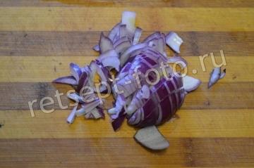 Куриная печень с овощами и сыром в духовке