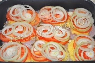 Куриное филе с картошкой и помидорами в духовке
