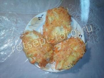 Куриные котлеты с кабачком и овощами в духовке