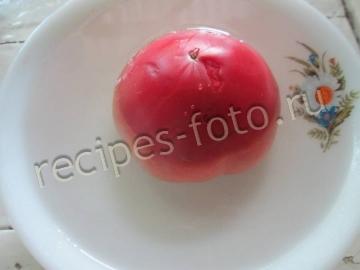 Окрошка с помидорами и чесноком