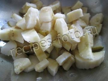 Оладьи с яблоками и бананом на молоке
