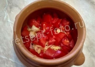 Омлет с хлебом, колбасой и помидорами в духовке