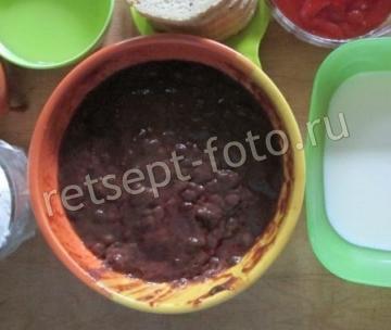 Печеночные оладьи в томатном соусе