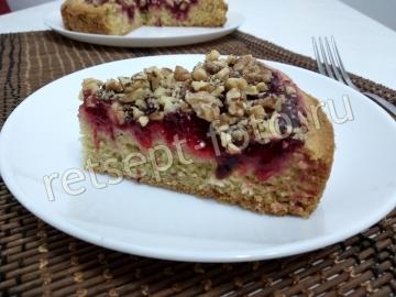 Пирог с клюквой и орехами
