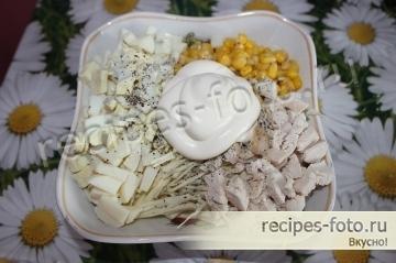 Рецепт салата с курицей и кукурузой