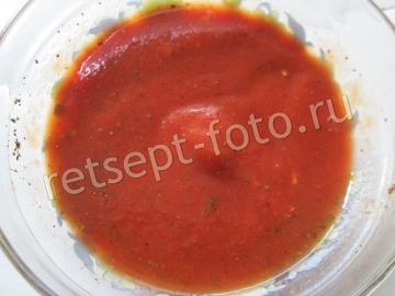 Рыбные тефтели в томате на сковороде