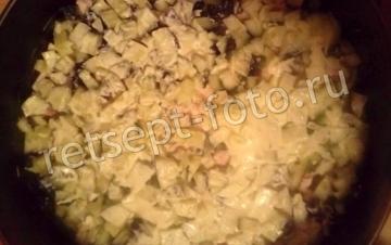 """Салат """"Мадемуазель"""" с копченой курицей и ананасами"""