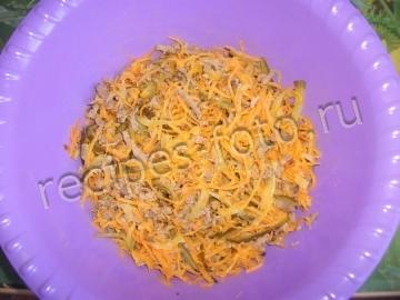 Салат с печенью свиной и морковью