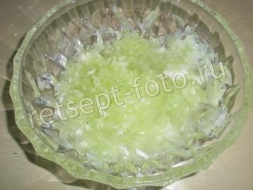 Салат с творогом и огурцом