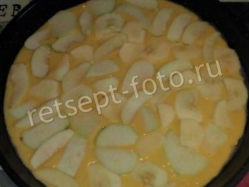 Шарлотка на кефире с яблоком и грушей