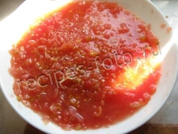 Соус с базиликом из свежих помидор