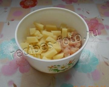 Суп-пюре на курином бульоне с рисом в пароварке для детей до 1 года (с 6 месцев)
