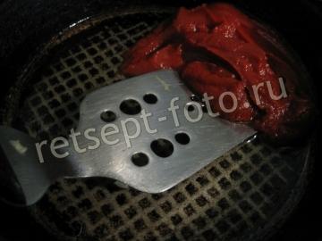Тушеная квашеная капуста с томатной пастой