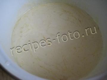 Заливной пирог с рыбными консервами и рисом на кефире
