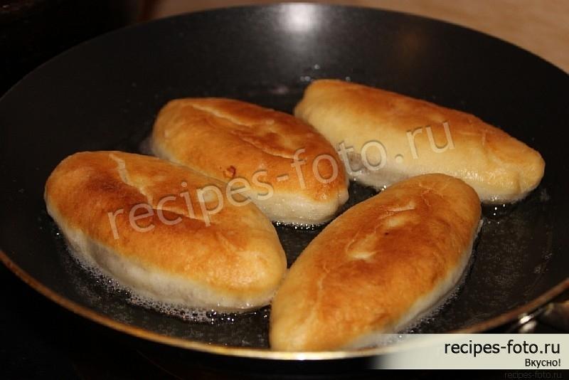 Домашние пирожки жареные на сковороде