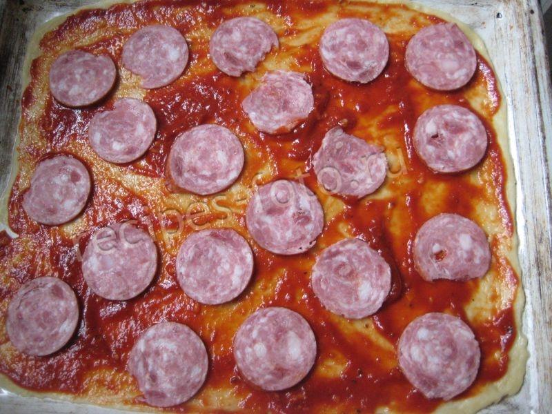Пицца в домашних условиях с колбасой 238