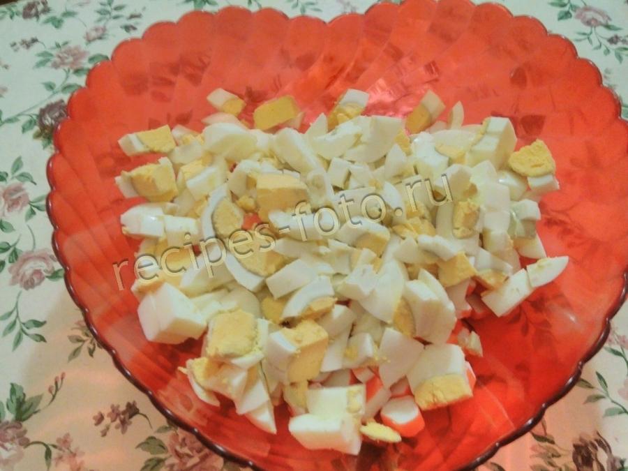 салат нежность с яблоком и крабовыми палочками