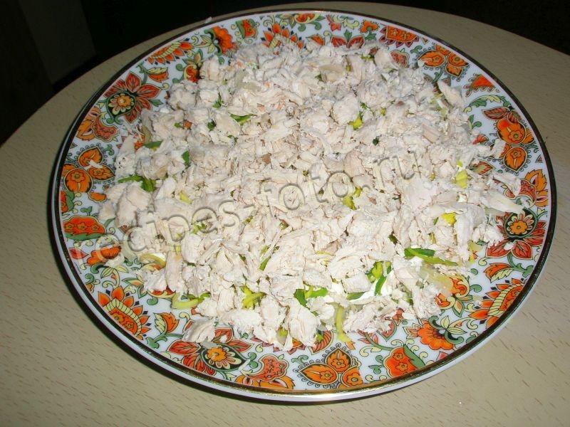 Салат слоями с рисом и грибами