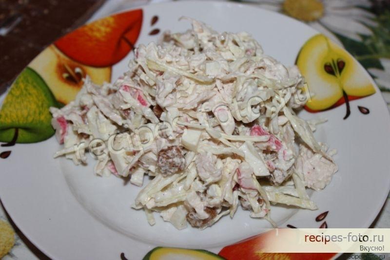 Рецепт салата из крабовых палочек и курицы