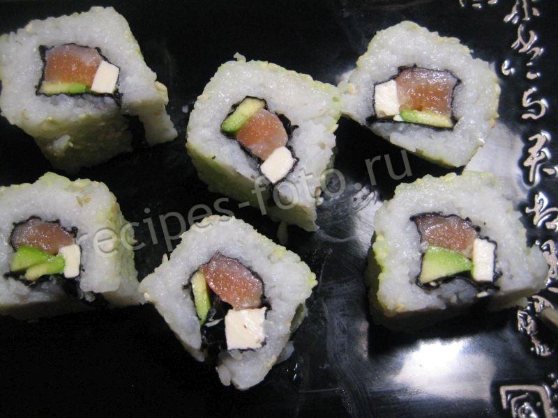 Суши с лососем и авокадо Рецепт в домашних условиях