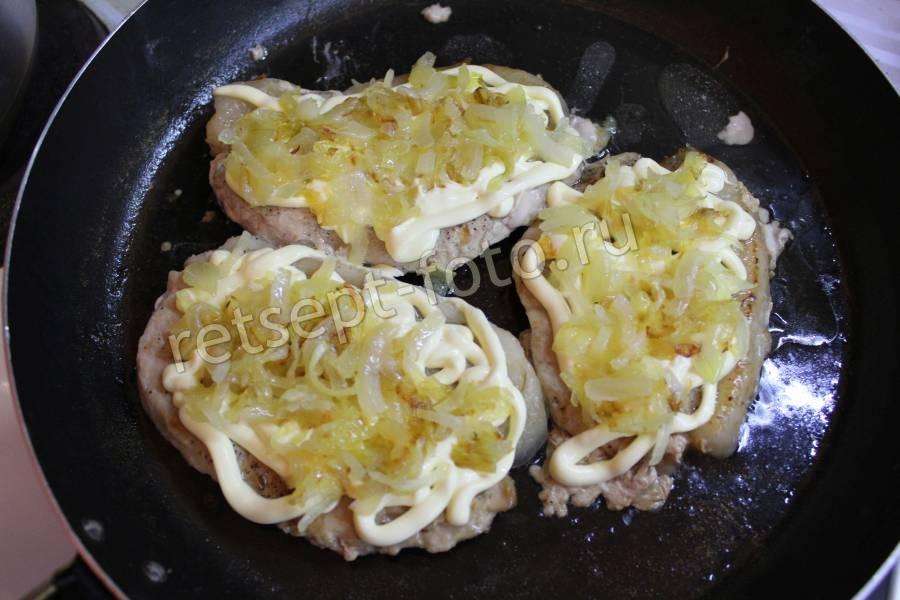 свинина с помидорами и сыром на сковороде рецепты с фото