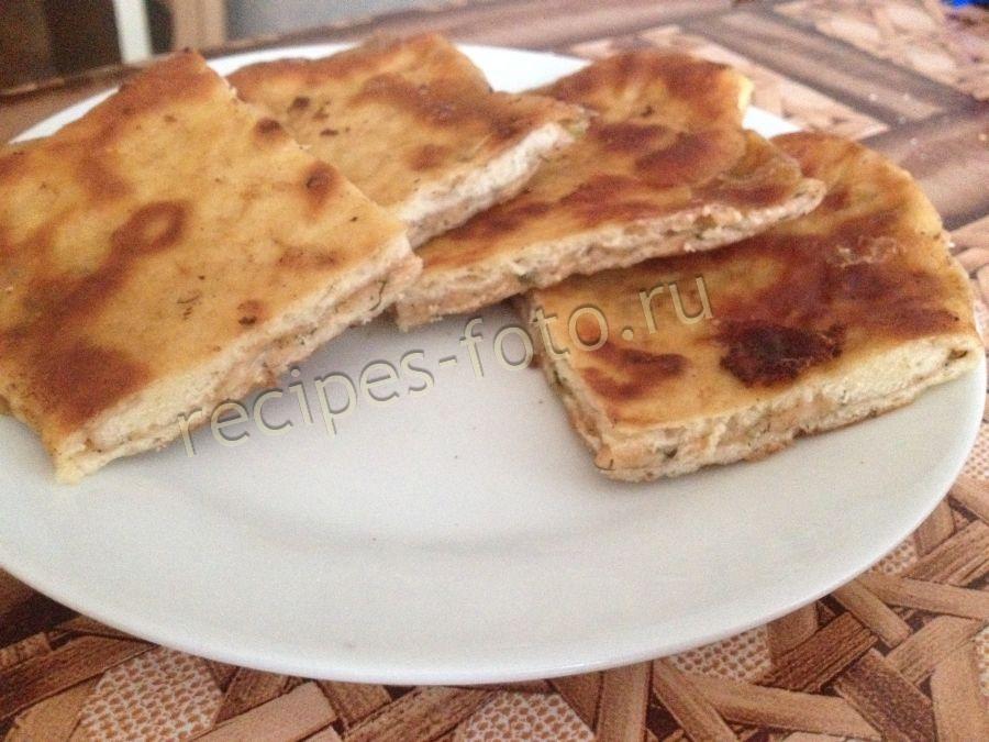 Сырные лепешки с начинкой на кефире рецепт с пошагово