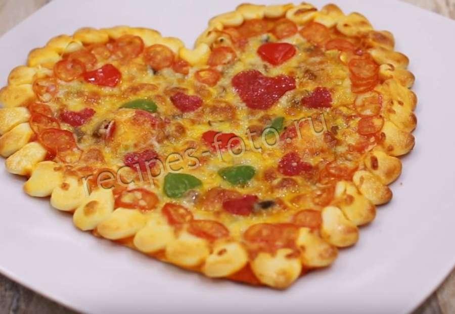 Рецепт пиццы с колбасой из готового теста