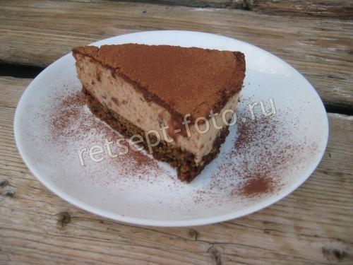 Муссовый торт с черносливом и орехами