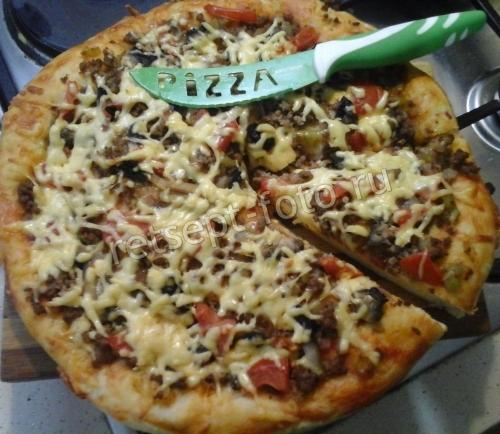 Пицца с фаршем и грибами