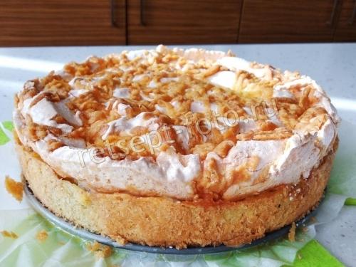 Польский яблочный пирог с безе