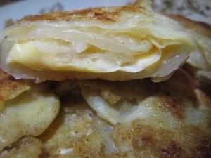 Белокочанная капуста в кляре с сыром