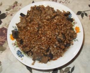 Гречка с сушеными грибами и мясом в мультиварке