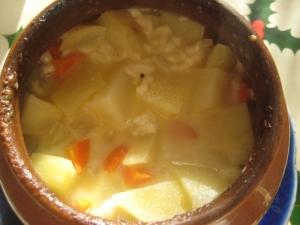 Картошка в горшочках без мяса с овощами