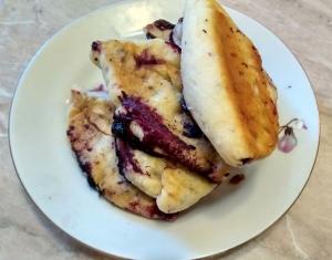 Пирожки с черникой в духовке