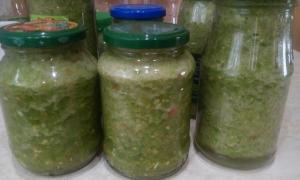 Сырая аджика из зеленых помидор без варки