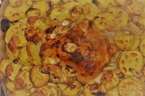 Цыпленок с картошкой запеченный в духовке