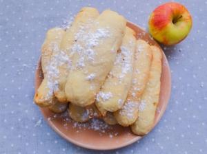 Вертуты с яблоком по-молдавски