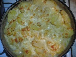 Запеканка картофельная с сыром и луком в духовке