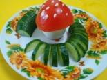 «Мухомор» из яиц для детей 2 года
