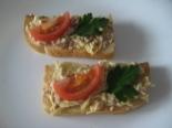 Бутерброды с печенью трески, яйцами и помидорами